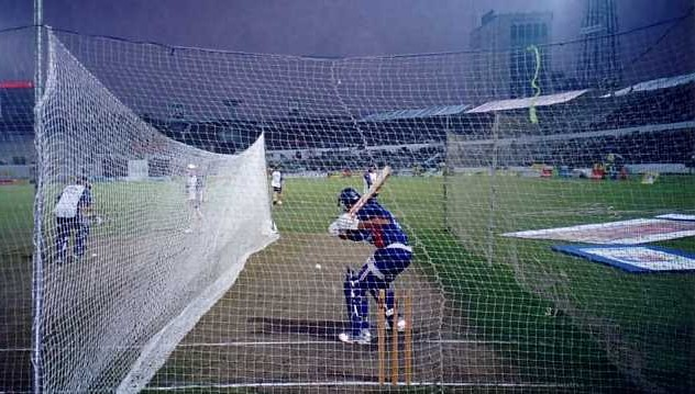 The England Cricket Team go through night-time net practice at Dhaka (10 November 2003)