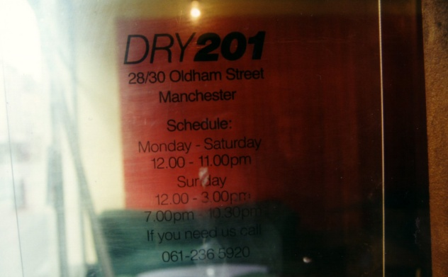 FAC 201 Dry - detail of opening times from entrance