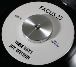 FACUS 23 JOY DIVISION Love will Tear Us Apart